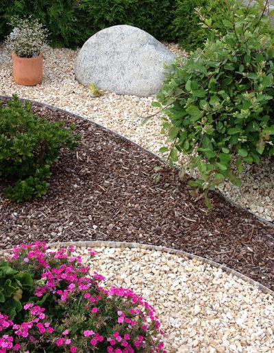 Lansmann: Grabgestaltung Kies