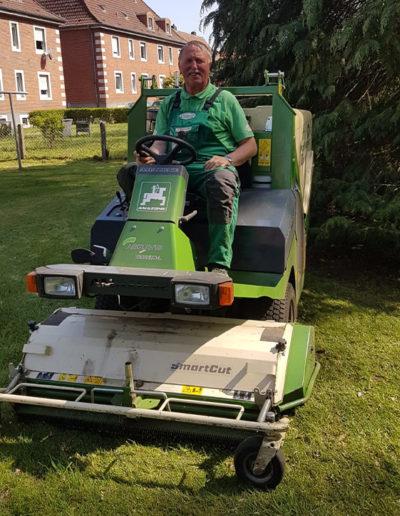 Lansmann: Rasenpflege