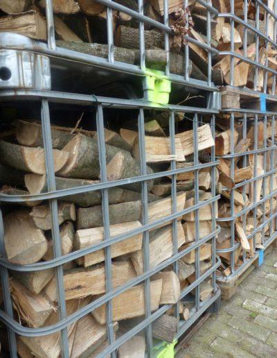 Lansmann: Kaminfertige Holzscheide